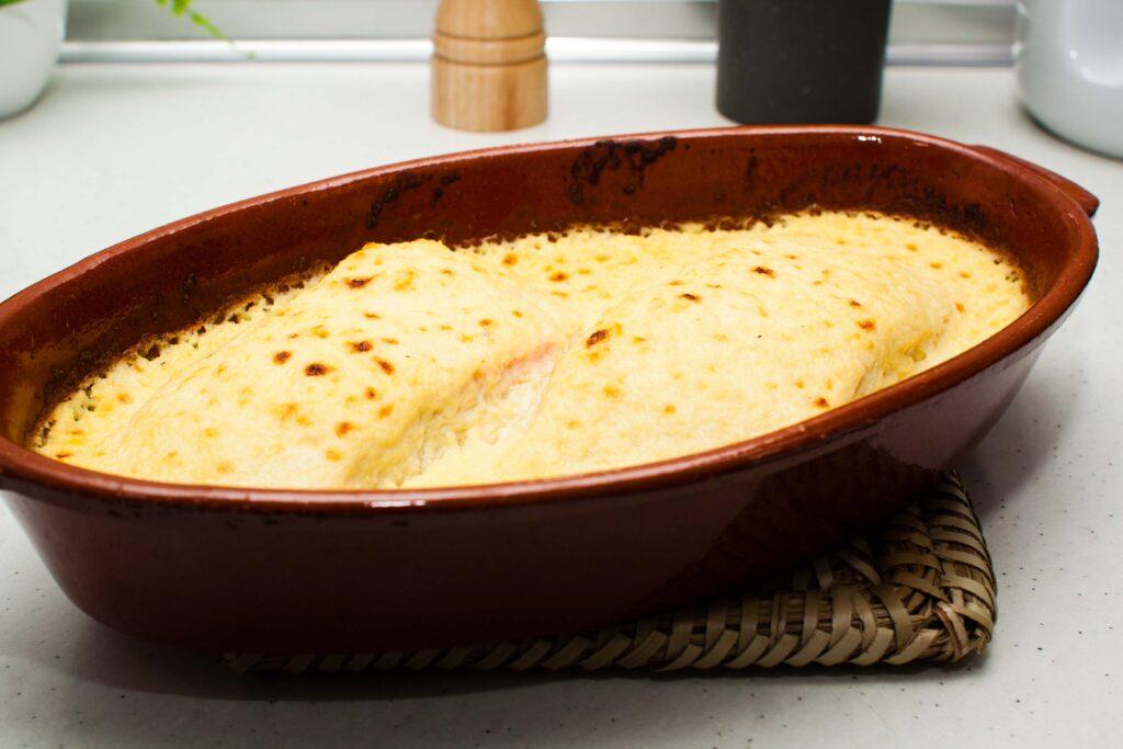 salmón gratinado con crema de manzana
