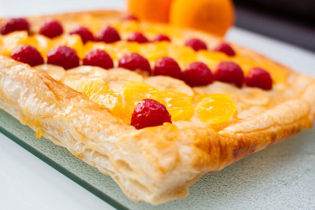 resultado de la tarta de hojaldre con frutas frescas