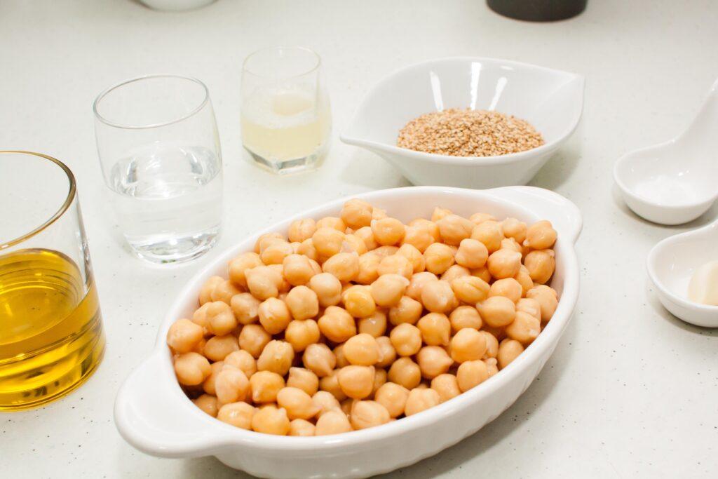 Ingredientes para hacer hummus tradicional