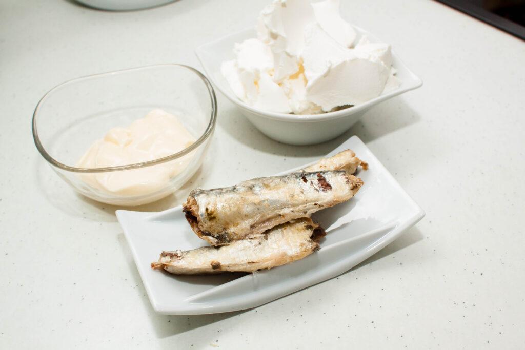 Ingredientes para hacer paté de sardinas. Aperitivo rápido